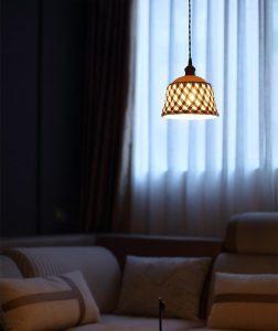 Opengewerkte keramische lamp
