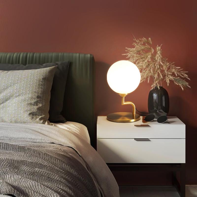 Lampe de table en cuivre à une tête
