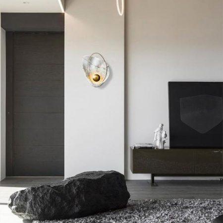 Pearl wall lamp